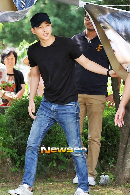Song Joong Ki vẫn bảnh bao ngày nhập ngũ 6