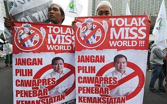 Hơn 200 người dân Hồi giáo biểu tình phản đối Miss World 2013 4