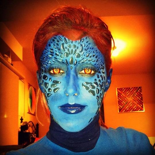 Tự make-up biến mình thành người nổi tiếng 10