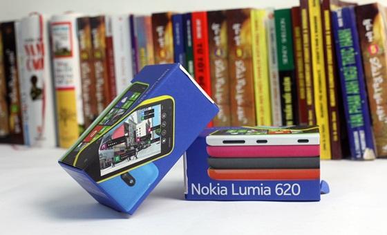 Trên tay Nokia Lumia 620 - Windows Phone 8 giá rẻ 1