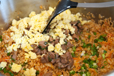 Công thức cơm chiên kimchi cay cay ngon tuyệt 6