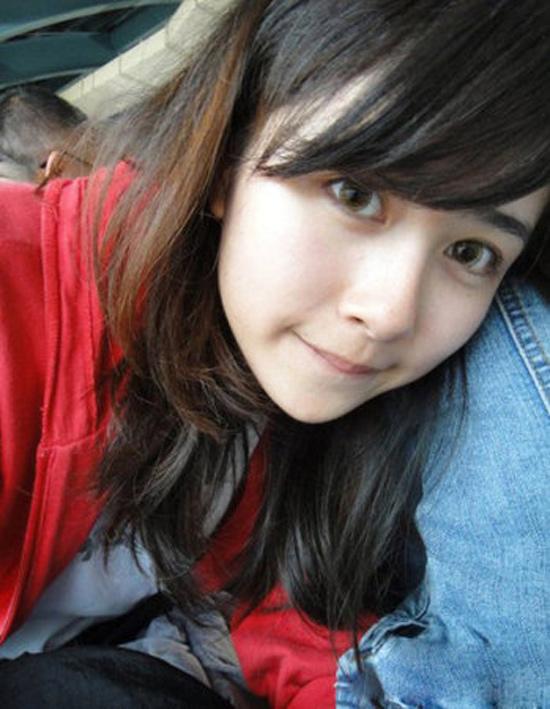 """Dân mạng Đài Loan sốt với """"Cô bé trà sữa"""" phiên bản 2 3"""