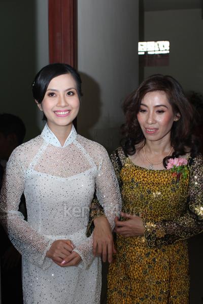 Những đám cưới hoành tráng của các hot girl Việt 95