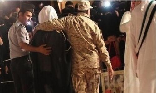 Ả Rập: Trục xuất đàn ông đẹp trai khỏi đất nước 3