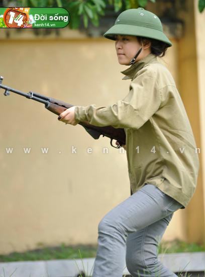 Ngỡ ngàng hot girl Việt giản dị mà cực dễ thương khi mặc quân phục 2
