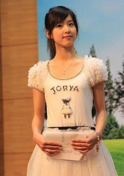 """""""Cô bé trà sữa"""" trở thành hot girl đẹp nhất Trung Quốc 13"""