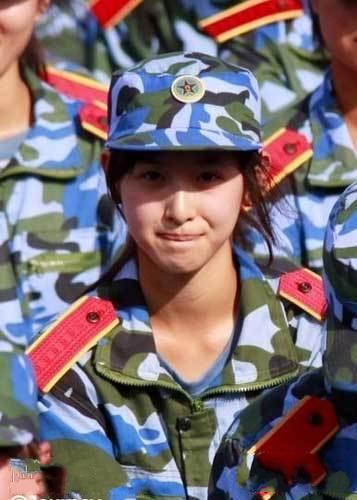 """""""Cô bé trà sữa"""" trở thành hot girl đẹp nhất Trung Quốc 16"""