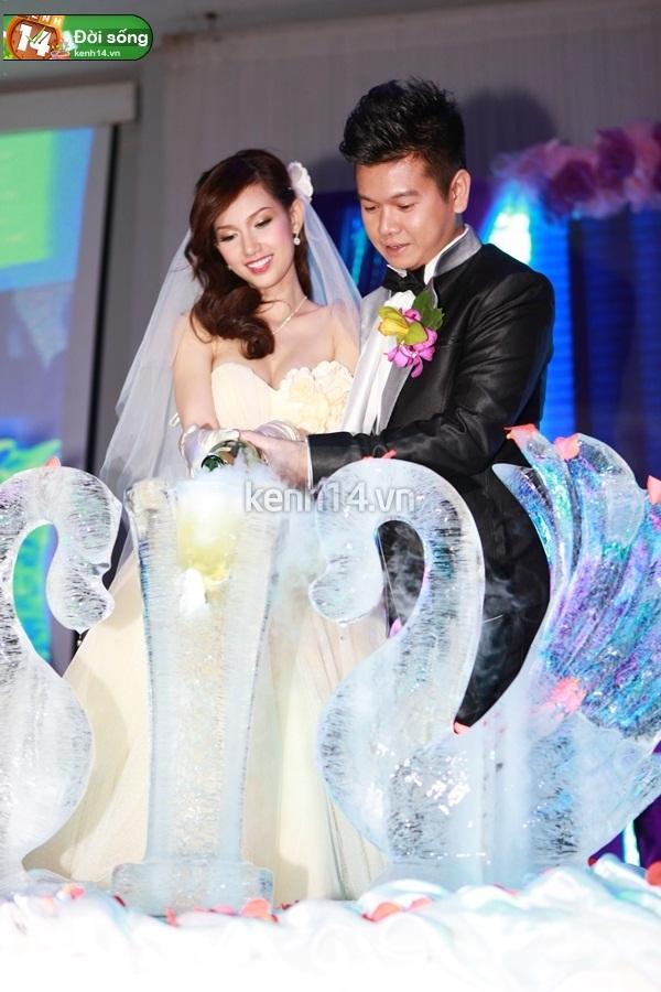 Những đám cưới hoành tráng của các hot girl Việt 52