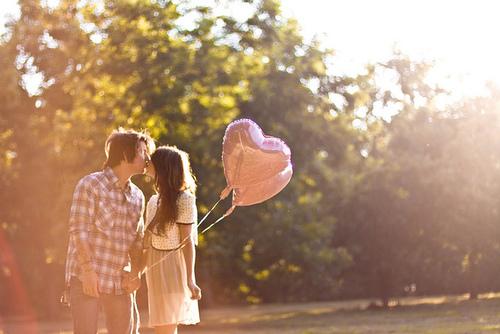 Trong tình yêu, ai cũng chỉ nhỏ bé vậy thôi 1