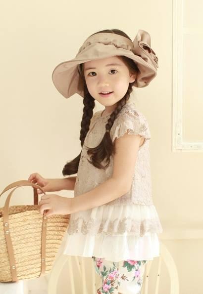 """Cô bé có vẻ đẹp thiên thần gây """"sốt"""" mạng xã hội Hàn Quốc 10"""