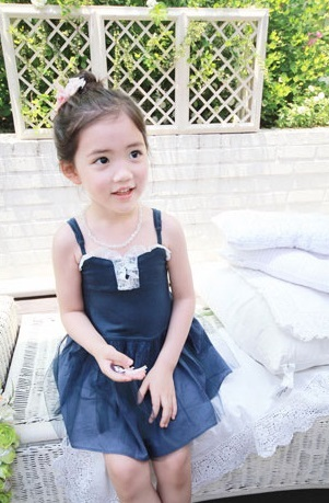 """Cô bé có vẻ đẹp thiên thần gây """"sốt"""" mạng xã hội Hàn Quốc 12"""