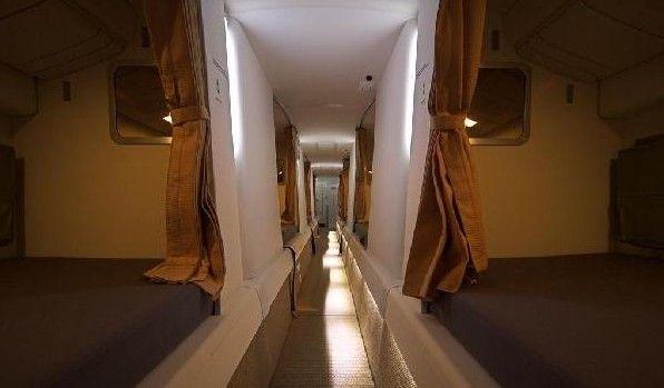 Cận cảnh phòng ngủ trên máy bay của các nữ tiếp viên hàng không 7