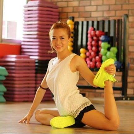 Hana Giang Anh - Cô nàng HLV thể dục 20 tuổi cực hot trên Youtube 13