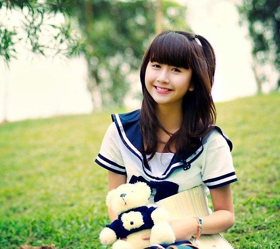 Ngắm hot girl Việt mặc đồng phục giản dị nhưng vẫn cực xinh 5