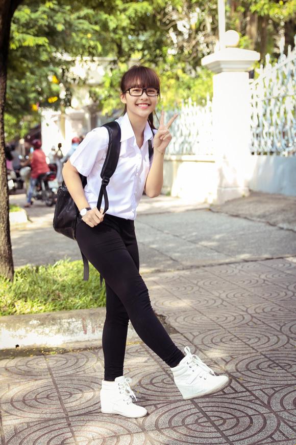 Ngắm hot girl Việt mặc đồng phục giản dị nhưng vẫn cực xinh 7