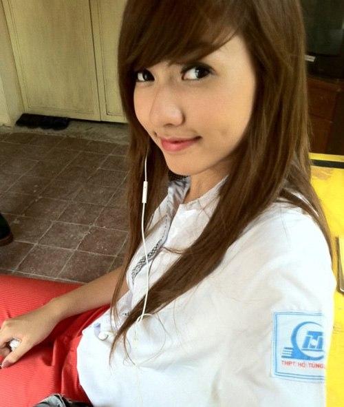 Ngắm hot girl Việt mặc đồng phục giản dị nhưng vẫn cực xinh 19