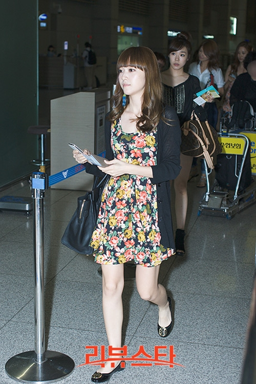 101 kiểu phối đồ cùng giày đế bệt phong cách như Jessica - SNSD 24