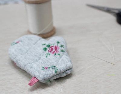 Xinh xinh móc khóa đôi găng tay mini 4