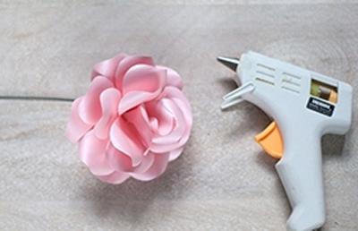Ý tưởng làm tranh hoa hồng giấy đi tỏ tình lãng mạn 7