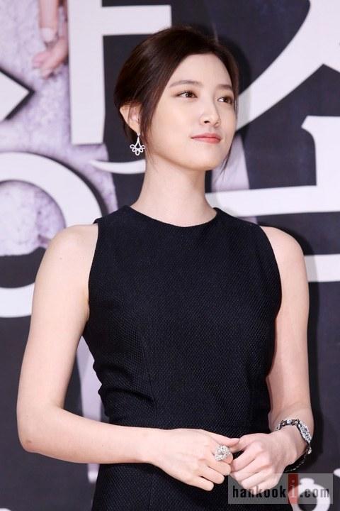 """Lee Min Ho """"nổi chói lọi"""" giữa dàn sao """"The Heirs"""" 6"""