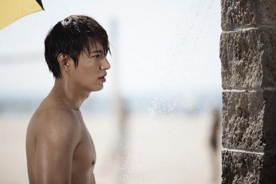 """Park Shin Hye cầm dĩa, định """"xử lý"""" Lee Min Ho 3"""
