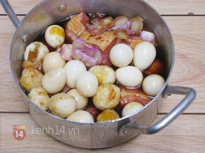 Gà kho trứng cút đậm đà đưa cơm 8