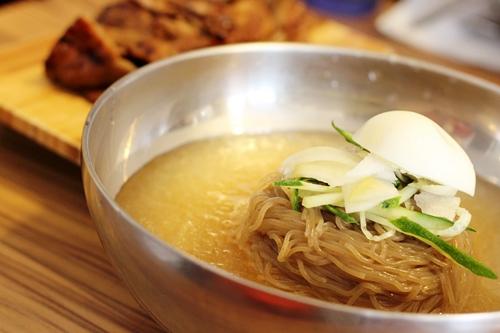 Mì lạnh Hàn Quốc - li kì và hấp dẫn 4
