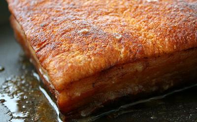 Cách làm thịt quay giòn bì không cần lò nướng 8