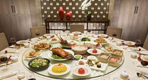Khám phá những quy tắc trên bàn ăn của các nước Châu Á 3