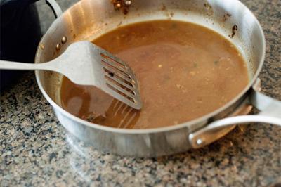 Thịt bò cuộn braciole ăn với pasta kiểu Ý ngon không thể chê 6