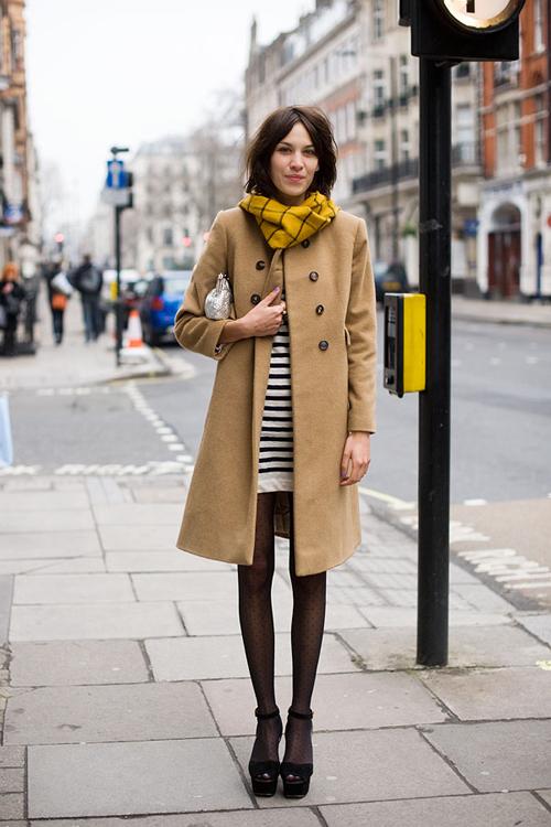 4 mẫu áo khoác trendy cho những ngày Tết lạnh 19