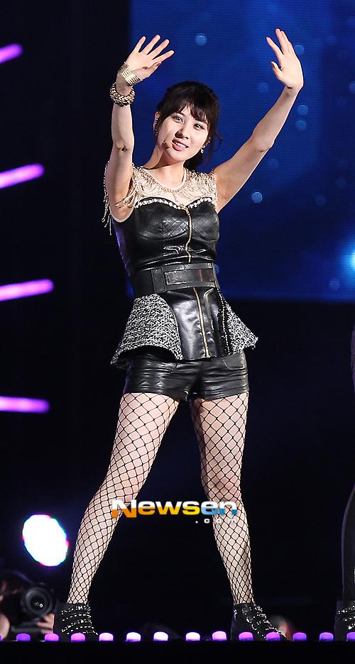Trang phục trình diễn tại Dream Concert của SNSD bị chê bai vì quá xấu 3
