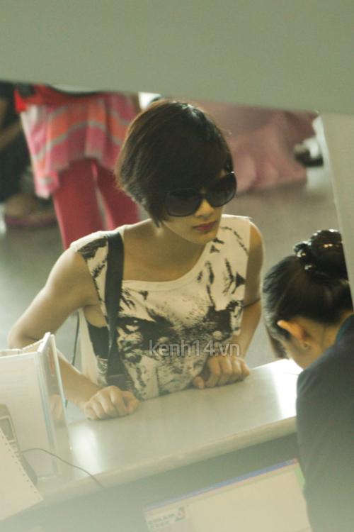 Muôn kiểu phong cách thời trang của sao Việt với tóc ngắn 9