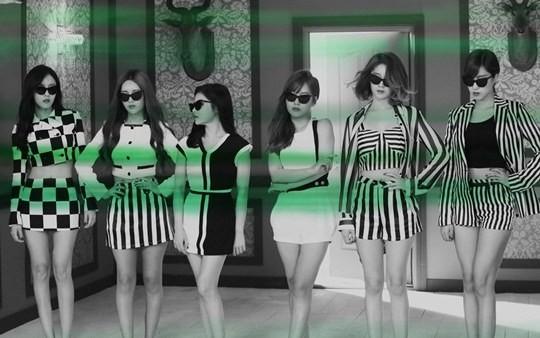 """T-ara khiến fan """"ngã ngửa"""" với clip teaser 2 5"""