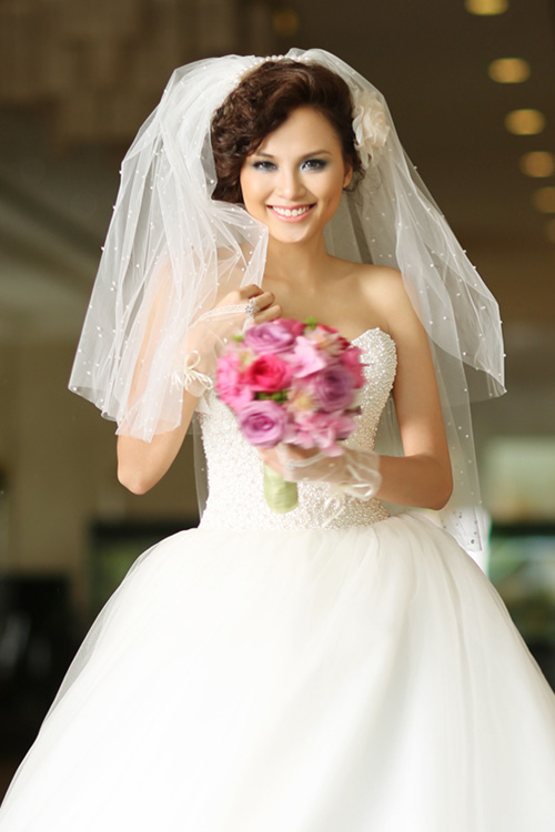 Hoa hậu Diễm Hương đã có chồng và bị chồng bỏ? 1