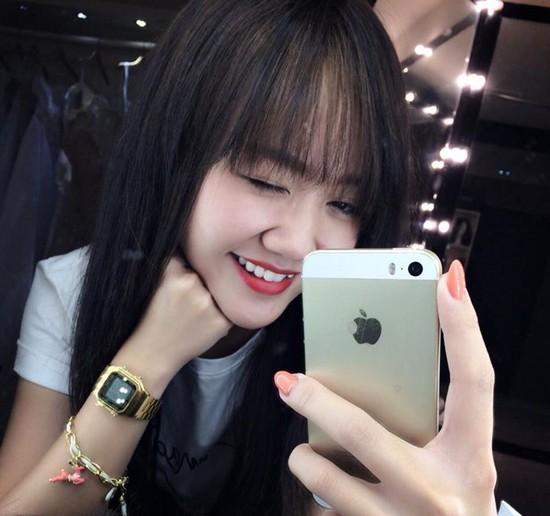 """Soi đồng hồ """"bình dân"""" cực hợp mốt của sao & hot girl Việt 20"""