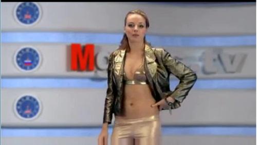 Sốc nặng với kênh truyền hình MC thoát y tại Nga 3