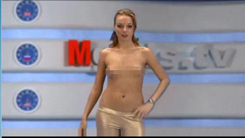 Sốc nặng với kênh truyền hình MC thoát y tại Nga 5