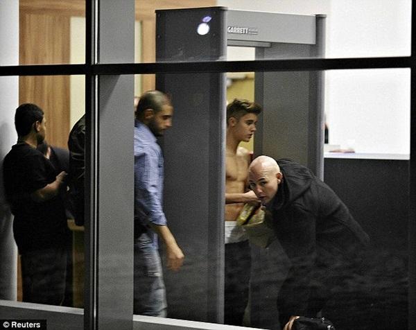 Justin Bieber bị điều tra tội hành hung hàng xóm 3