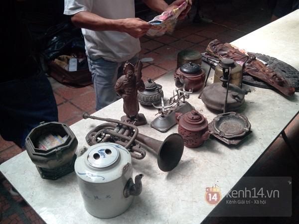 Săn hàng độc ở phiên chợ đồ cổ, đồ xưa đặc biệt giữa Hà Nội 2