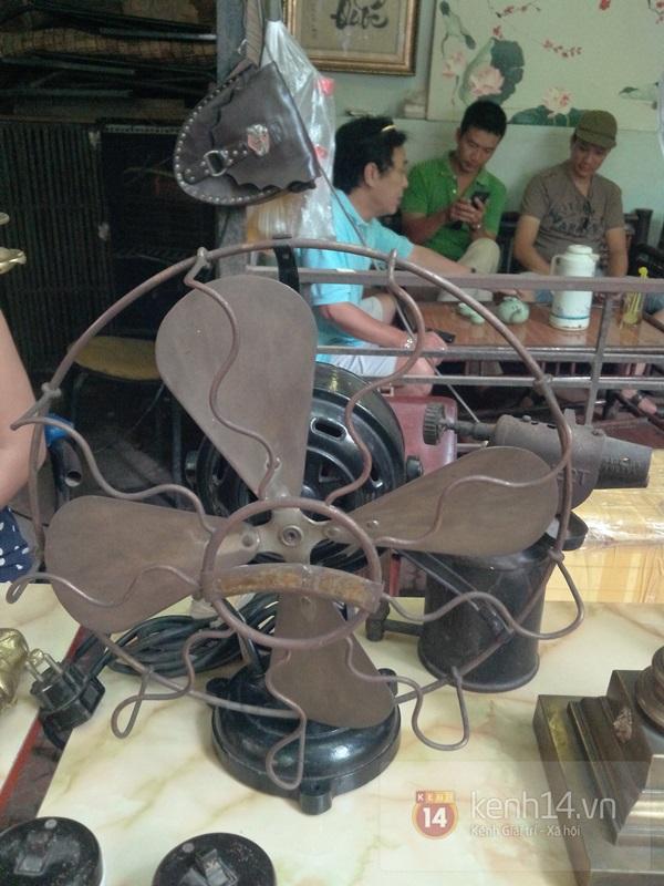 Săn hàng độc ở phiên chợ đồ cổ, đồ xưa đặc biệt giữa Hà Nội 14