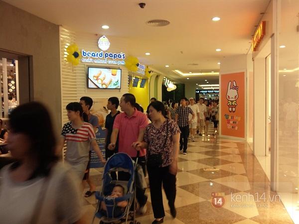 Người Hà Nội chen chân tại TT thương mại, vui chơi dưới lòng đất lớn nhất châu Á 6