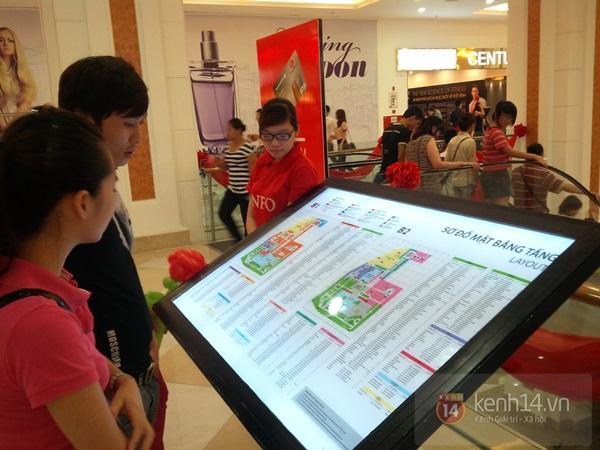 Người Hà Nội chen chân tại TT thương mại, vui chơi dưới lòng đất lớn nhất châu Á 8