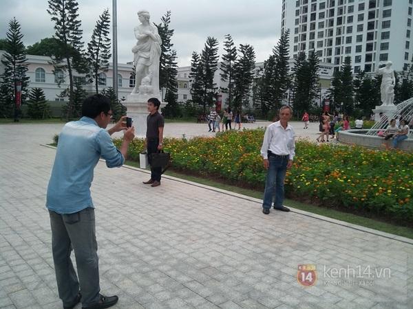 Người Hà Nội chen chân tại TT thương mại, vui chơi dưới lòng đất lớn nhất châu Á 16