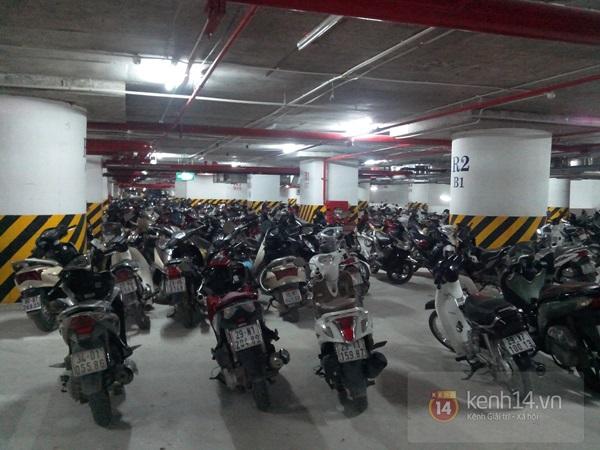 Người Hà Nội chen chân tại TT thương mại, vui chơi dưới lòng đất lớn nhất châu Á 5