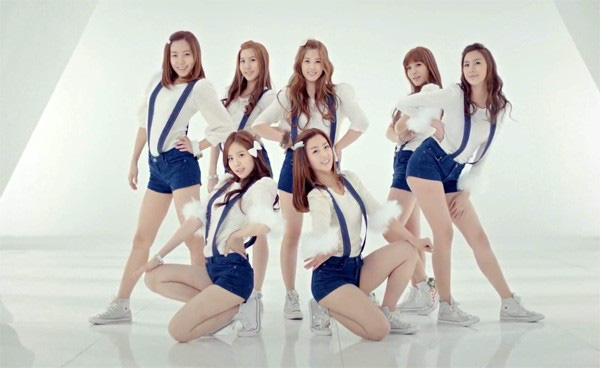 Girlgroup Kpop đã phản ứng ra sao trước chiến thắng đầu tiên? 1