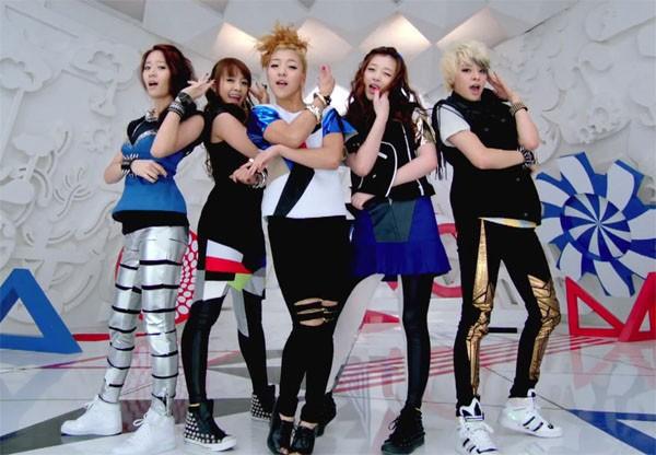 Girlgroup Kpop đã phản ứng ra sao trước chiến thắng đầu tiên? 2
