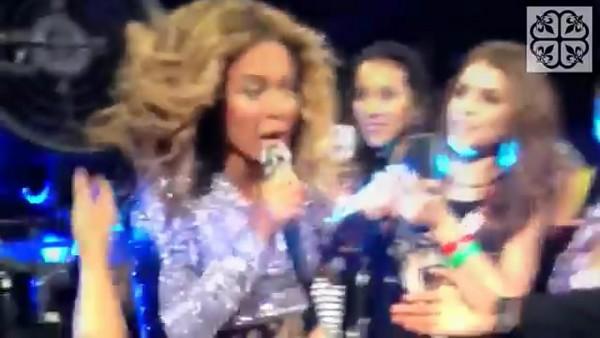 Beyoncé đang biểu diễn thì bị kẹt tóc vào cánh quạt 1