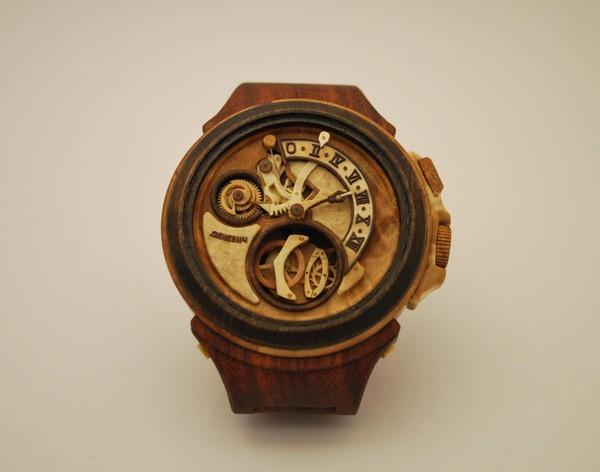 Đồng hồ chạy được chạm khắc hoàn toàn từ gỗ 5