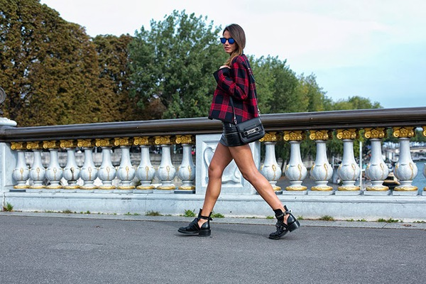 """9 cách mặc kẻ caro """"chuẩn"""" như fashionista 18"""